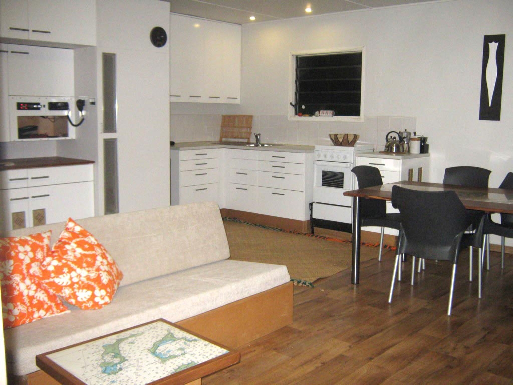 Lounge, Dining and Kitchen Areas